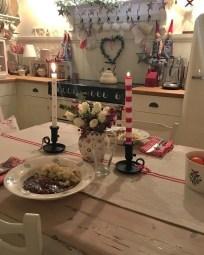 Stunning Shabby Chic Christmas Decoration Ideas 39