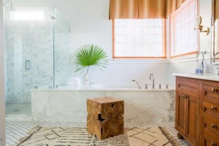 Adorable Beach Bathroom Design Ideas 27