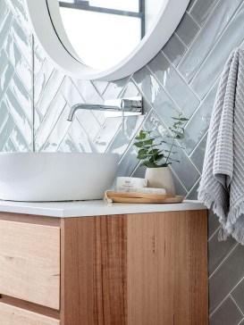 Adorable Beach Bathroom Design Ideas 40