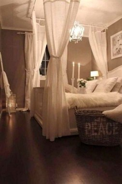 Amazing Decoration Ideas For Small Bedroom 44