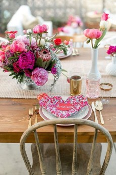 Beautiful Valentines Day Table Decoration Ideeas 18