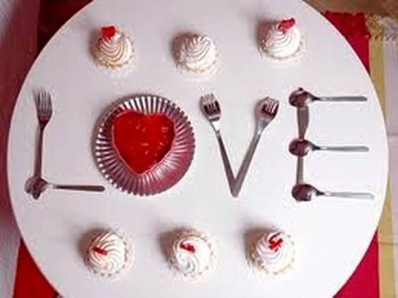 Beautiful Valentines Day Table Decoration Ideeas 34