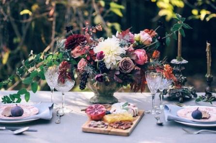 Beautiful Valentines Day Table Decoration Ideeas 39
