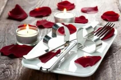 Beautiful Valentines Day Table Decoration Ideeas 41