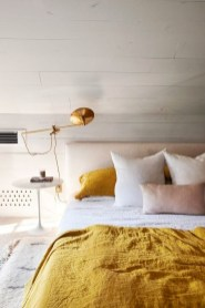 Delightful Yellow Bedroom Decoration And Design Ideas 12