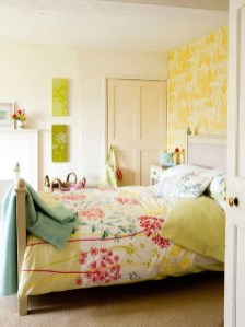 Delightful Yellow Bedroom Decoration And Design Ideas 49