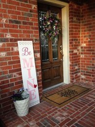 Elegant Front Porch Valentines Day Decor Ideas 04