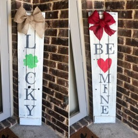 Elegant Front Porch Valentines Day Decor Ideas 26