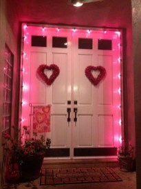 Elegant Front Porch Valentines Day Decor Ideas 37