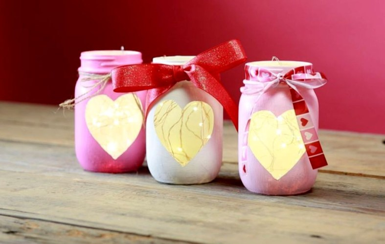 Fabulous Valentines Day Mason Jar Decor Ideas 13