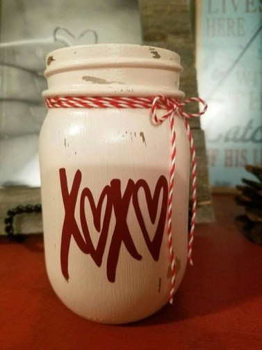 Fabulous Valentines Day Mason Jar Decor Ideas 19