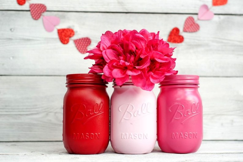 Fabulous Valentines Day Mason Jar Decor Ideas 23