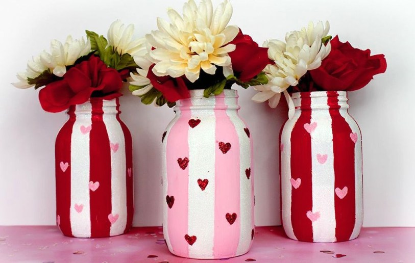 Fabulous Valentines Day Mason Jar Decor Ideas 32