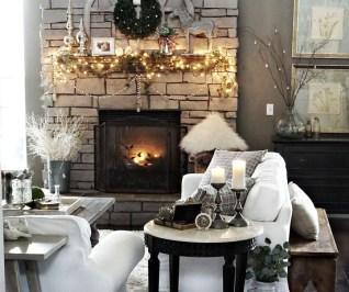 Gorgeous Winter Family Room Design Ideas 15
