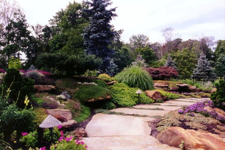 Innovative Stepping Stone Pathway Decor For Your Garden 12