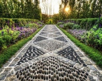 Innovative Stepping Stone Pathway Decor For Your Garden 38