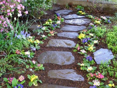Innovative Stepping Stone Pathway Decor For Your Garden 42