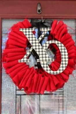 Inspiring Farmhouse Style Valentines Day Decor Ideas 40