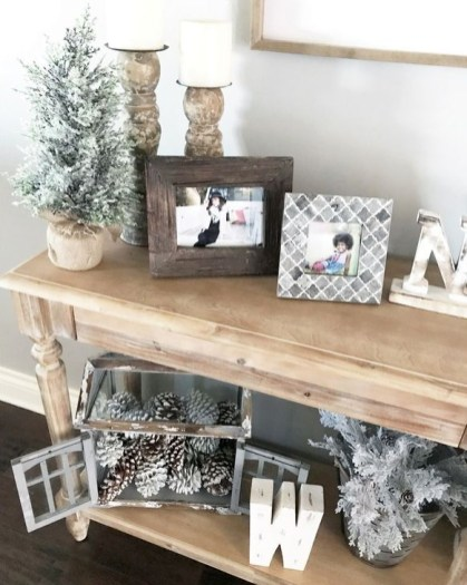 Neutral Winter Decoration Ideas For Your Home 26