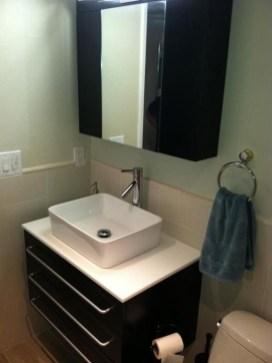Simple But Modern Bathroom Storage Design Ideas 30
