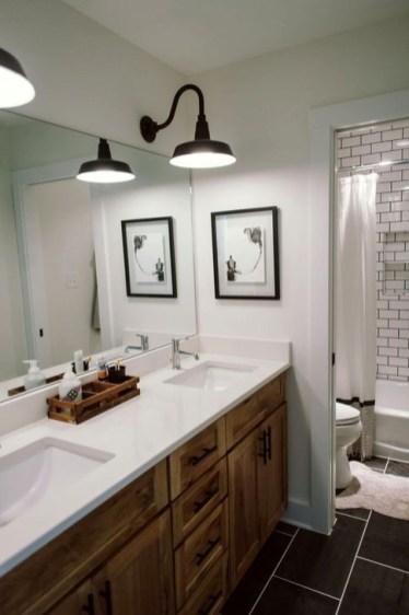 Simple Traditional Bathroom Design Ideas 01