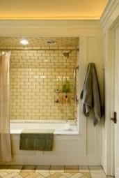 Simple Traditional Bathroom Design Ideas 09