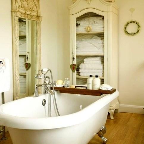Simple Traditional Bathroom Design Ideas 11