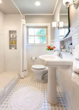 Simple Traditional Bathroom Design Ideas 32