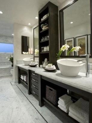 Simple Traditional Bathroom Design Ideas 39