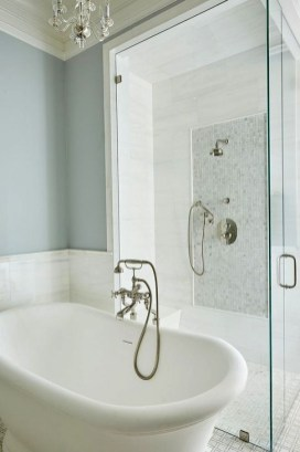 Simple Traditional Bathroom Design Ideas 40