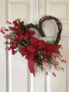 Wonderful DIY Valentines Wreath Decor Ides 09