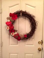 Wonderful DIY Valentines Wreath Decor Ides 13