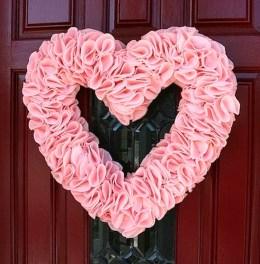 Wonderful DIY Valentines Wreath Decor Ides 26