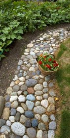 Best DIY Garden Path Designs You Can Bulid To Complete Your Gardens 04