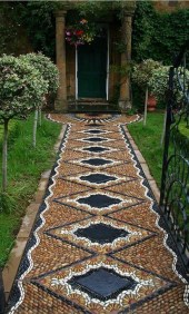 Best DIY Garden Path Designs You Can Bulid To Complete Your Gardens 05
