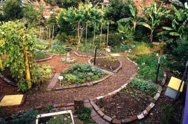Best DIY Garden Path Designs You Can Bulid To Complete Your Gardens 12