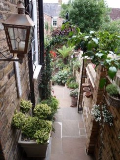 Best DIY Garden Path Designs You Can Bulid To Complete Your Gardens 16
