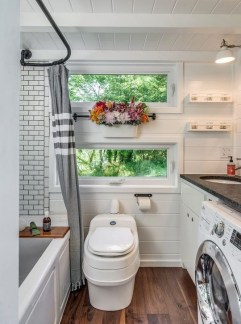 Cool Tiny House Bathroom Remodel Design Ideas 32