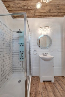 Cool Tiny House Bathroom Remodel Design Ideas 36