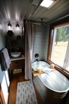 Cool Tiny House Bathroom Remodel Design Ideas 37