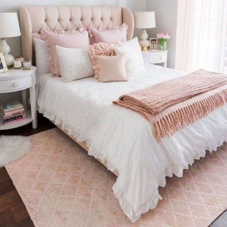 Cute Pink Bedroom Design Ideas 10
