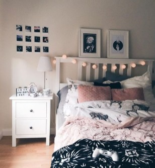 Cute Pink Bedroom Design Ideas 17
