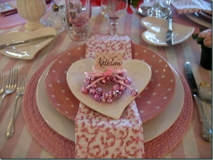 Elegant Table Settings Ideas For Valentines Day 06