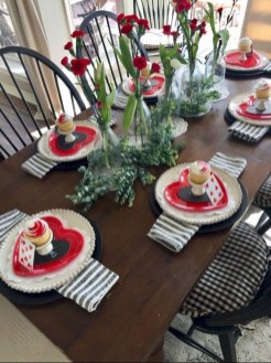 Elegant Table Settings Ideas For Valentines Day 07