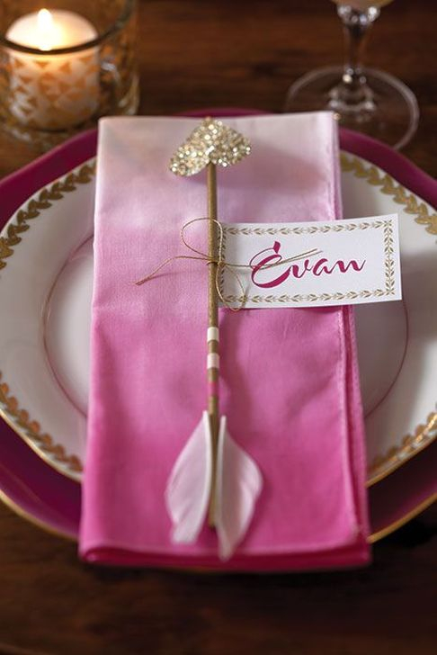 Elegant Table Settings Ideas For Valentines Day 27