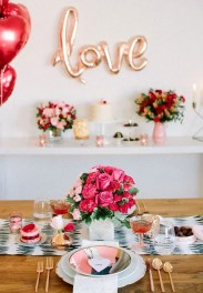 Elegant Table Settings Ideas For Valentines Day 38