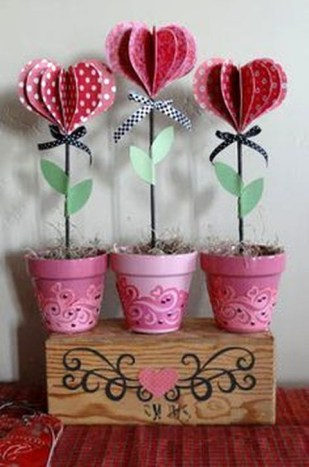 Simple DIY Valentines Day Decor Ideas 35