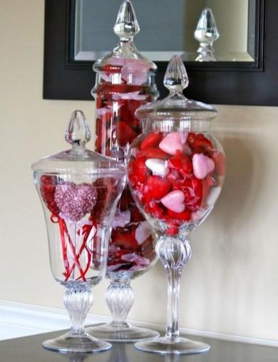 Simple DIY Valentines Day Decor Ideas 43