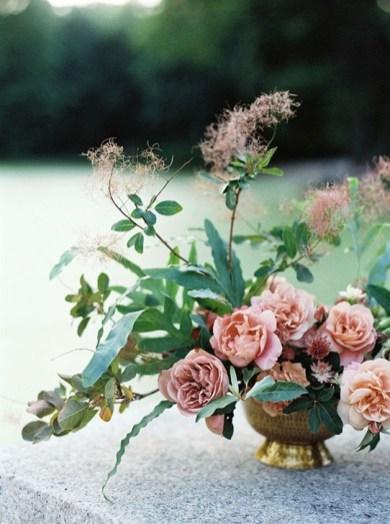 Stunning Valentine Floral Arrangements Ideas 22
