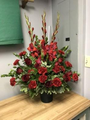 Stunning Valentine Floral Arrangements Ideas 32